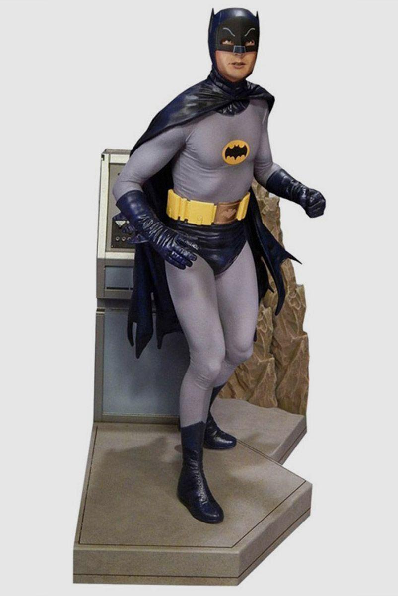 Boneco Batman 66 to the Batmobile