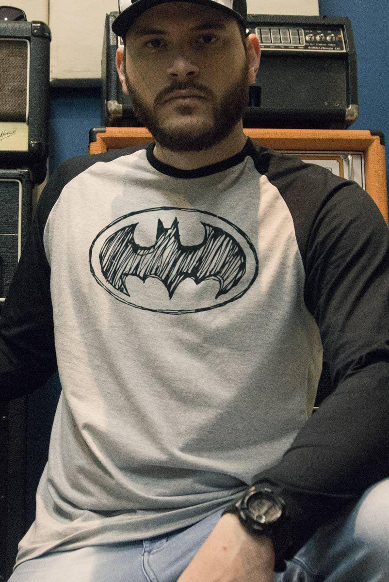 Camiseta Manga Longa Raglan Masculina Batman Tracing Logo