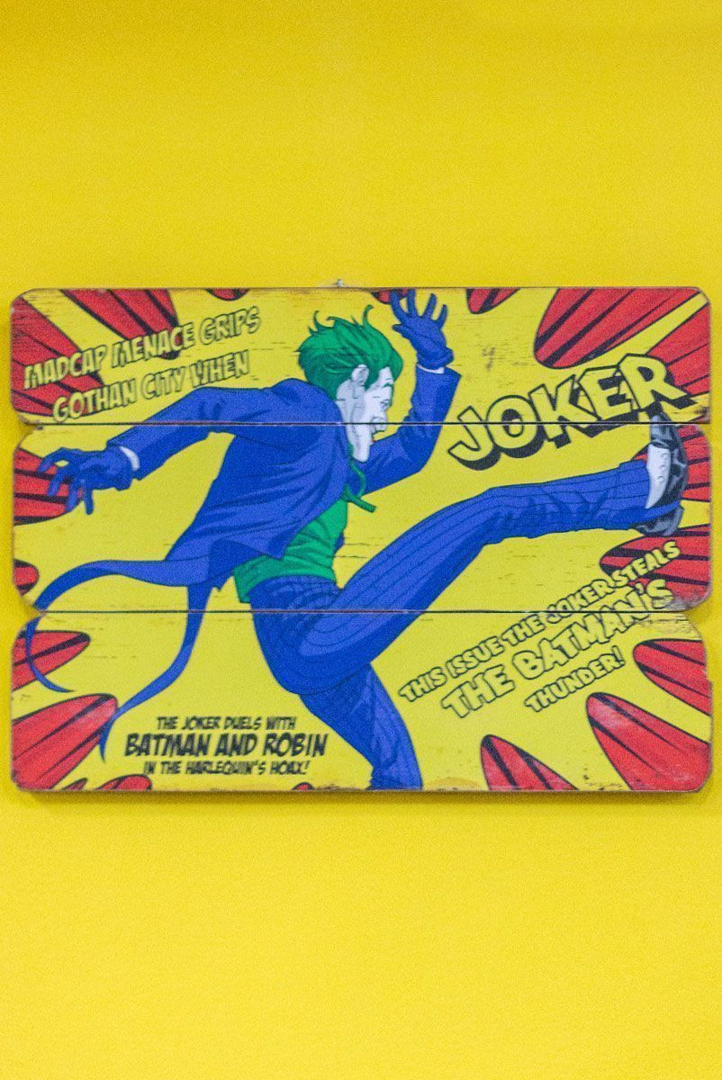 Placa de Madeira The Joker Kicking