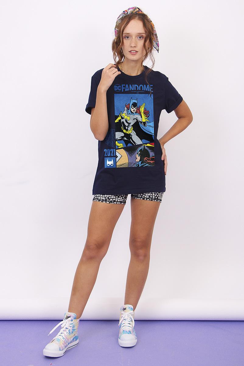T-shirt Feminina FanDome 2021 Batgirl Em Ação