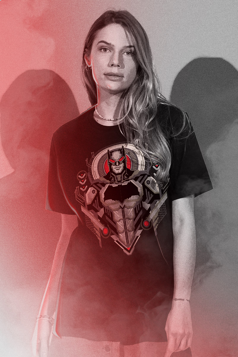 T-shirt Feminina Liga da Justiça Snyder Cut - Batman Pose