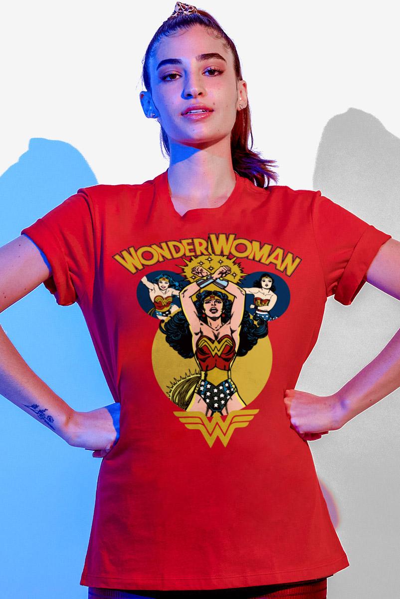 T-shirt Feminina Mulher Maravilha Em Ação