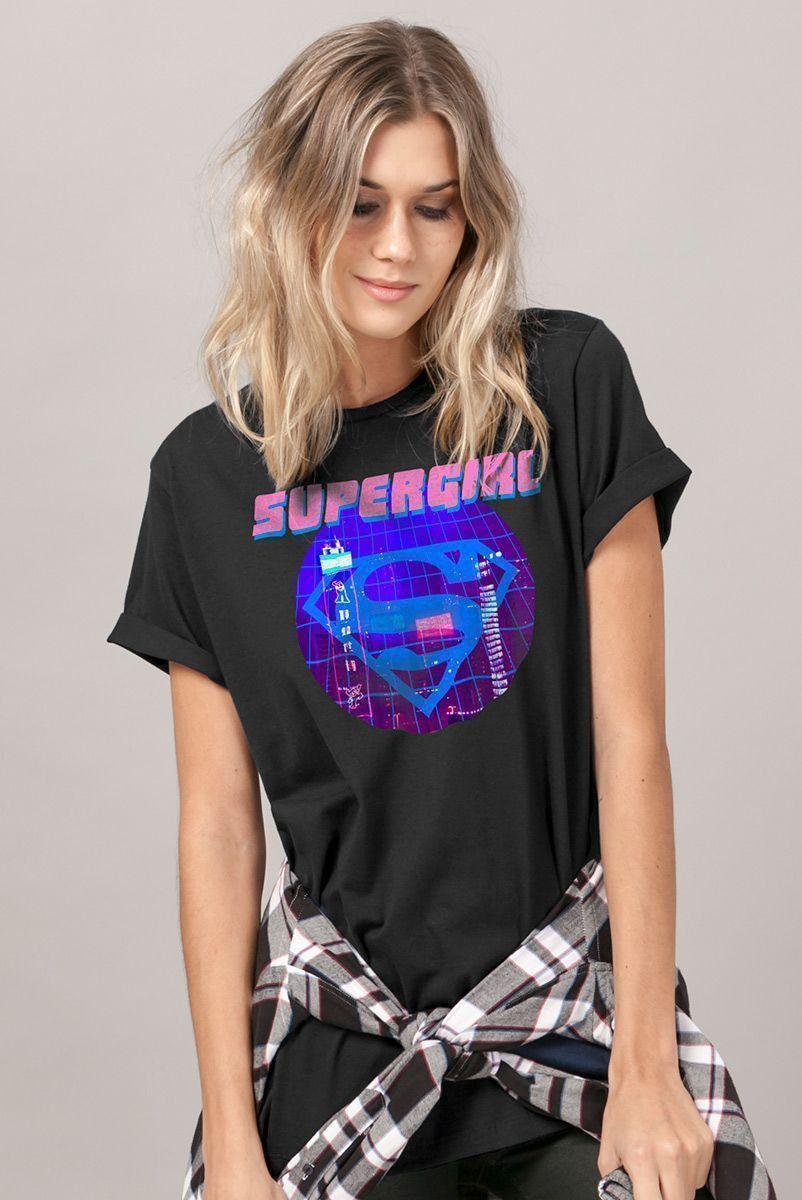 T-Shirt Feminina Supergirl Disco