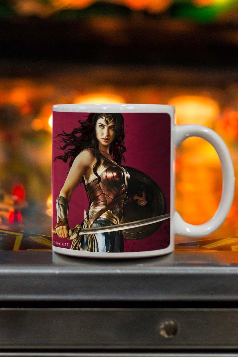 Caneca Wonder Woman Warrior For Peace