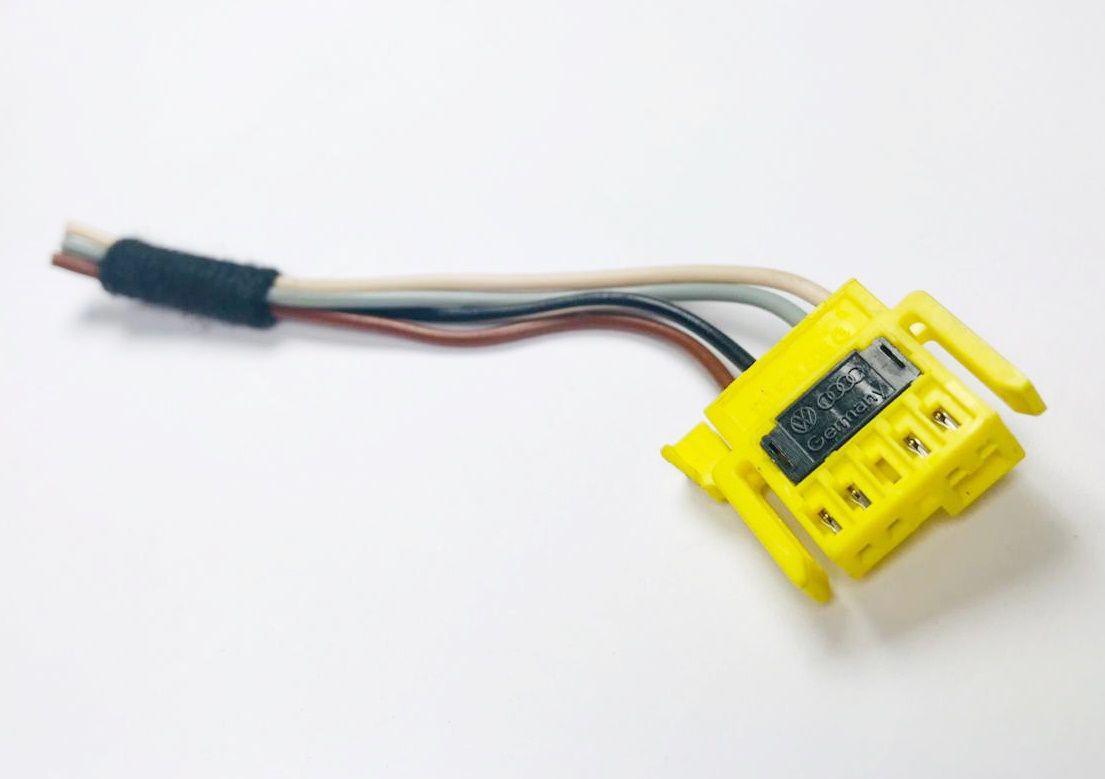 Plug Conector Chicote do Hard Disc Clock Spring Cinta do Air Bag Buzina do Volante Vw Gol Saveiro G4 G5 Fox 05 06 07 08 09 010 011 012 013 Ref 9646