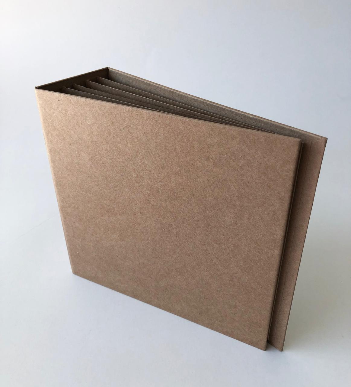 Álbum 20 x 20 com lombada Kraft - JuJu Scrapbook  - JuJu Scrapbook