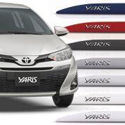 Friso Lateral Toyota Yaris Hatch Sedan Com Nome Alto Relevo Cromado 2018 19