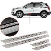 Soleira de Aço Inox Escovado Reta Chevrolet Tracker 2014 15 16 17 18