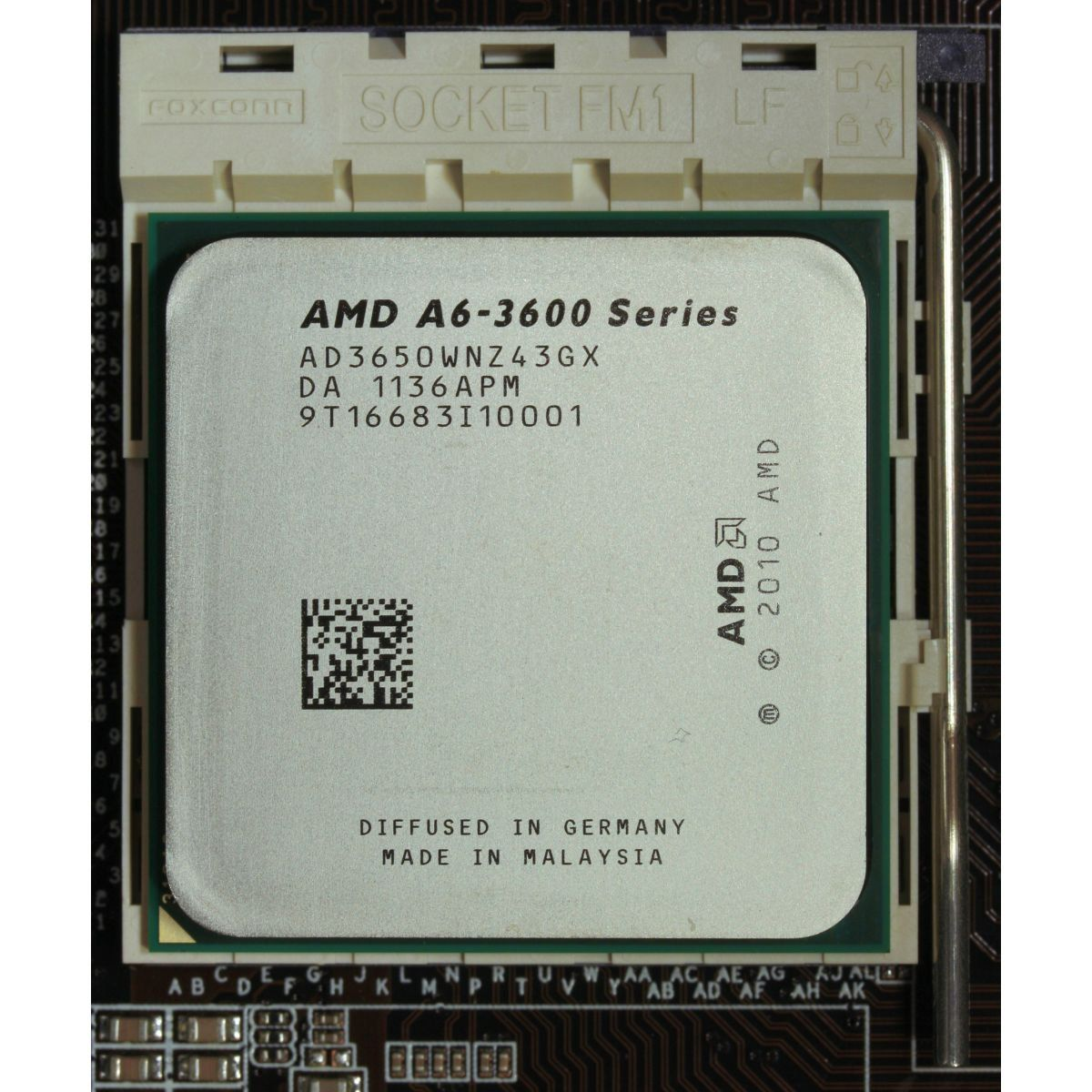 Processador Amd Fm1 A6-3650 Tc 2.6ghz 3mb / With Radeon Hd 6530d *Box*