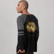 Blusa Raglan Masculina Wonder Woman Shield