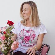 Camiseta Feminina Hello Kitty Melhor Mãe do Mundo