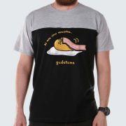 Camiseta Masculina Bicolor Gudetama Só Mais Cinco Minutinhos!