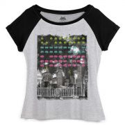 Camiseta Raglan Feminina Space Invaders Metropolis