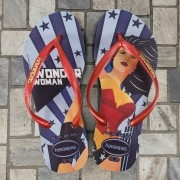 Chinelo Feminino Wonder Woman Pop Art