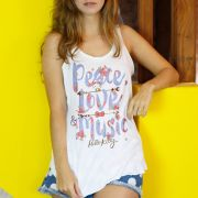 Regata Premium Feminina Hello Kitty Peace, Love and Music