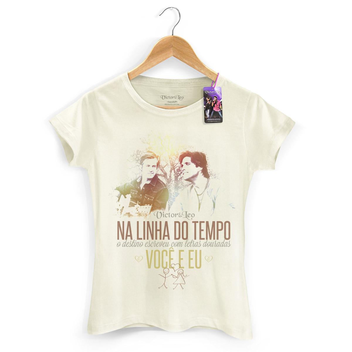 Camiseta Feminina Victor & Leo - Na Linha do Tempo
