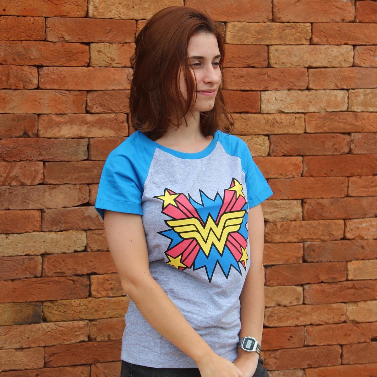 Camiseta Raglan Feminina Mulher Maravilha Logo Star