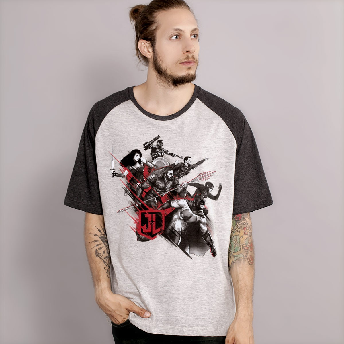 Camiseta Raglan Masculina Liga da Justiça Let´s Fight