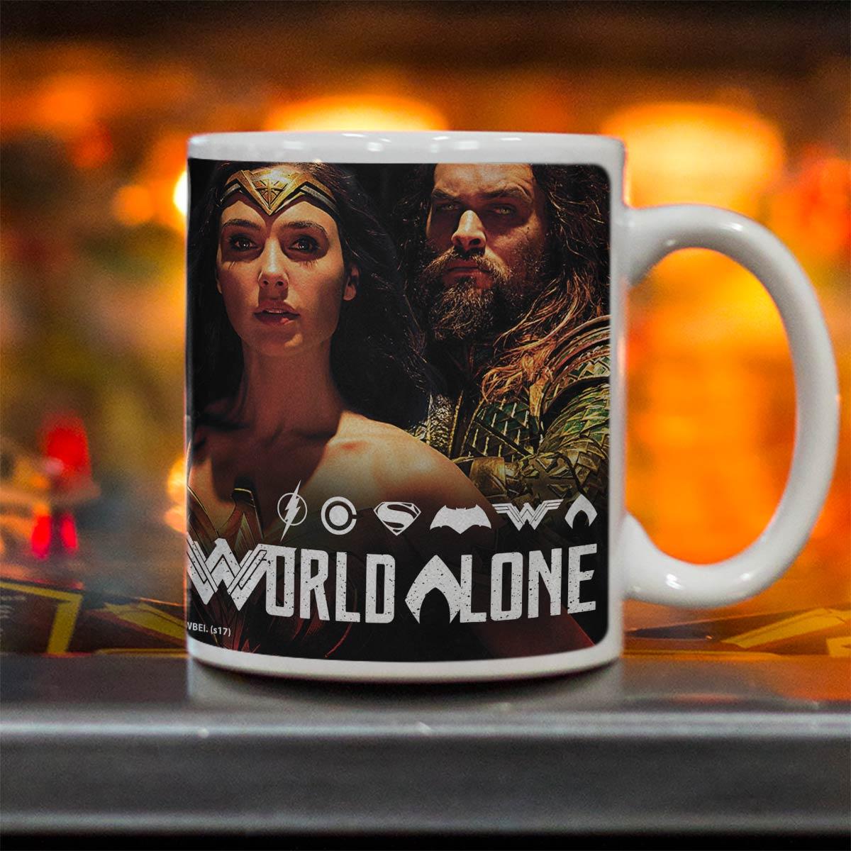Caneca Liga da Justiça You Can´t Save The World Alone