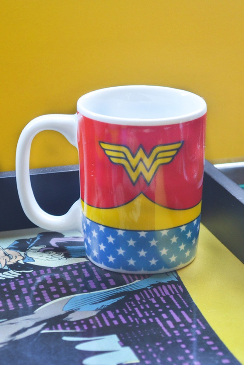 Mini Caneca de Porcelana DC Wonder Woman Body Customs