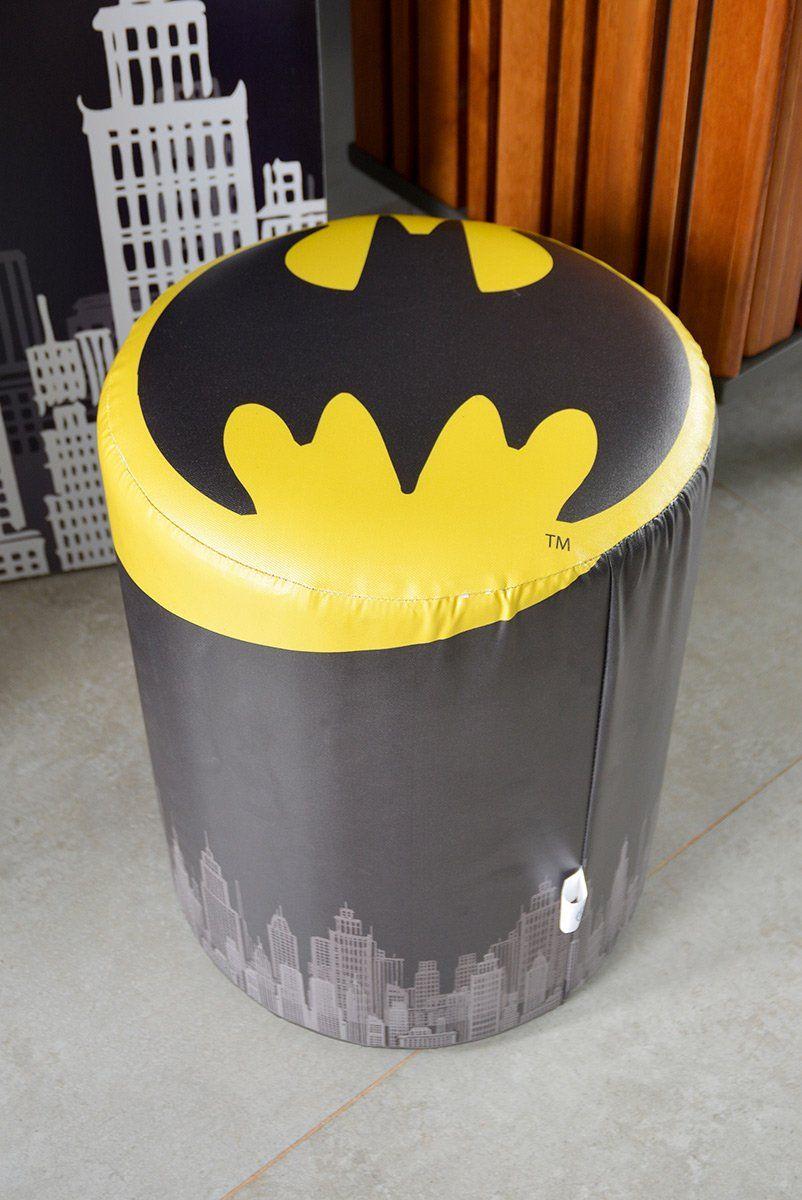 Puff de Tecido Sintético Batman Sinal de Alerta