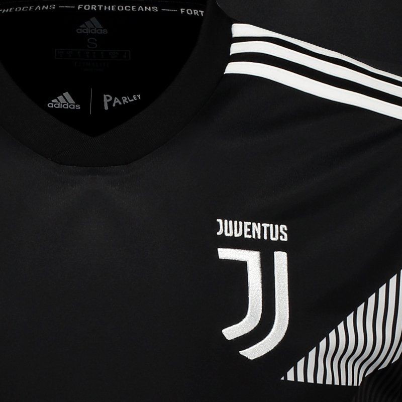 info for 896fa 74510 Adidas Juventus 2019 Pre Match Jersey