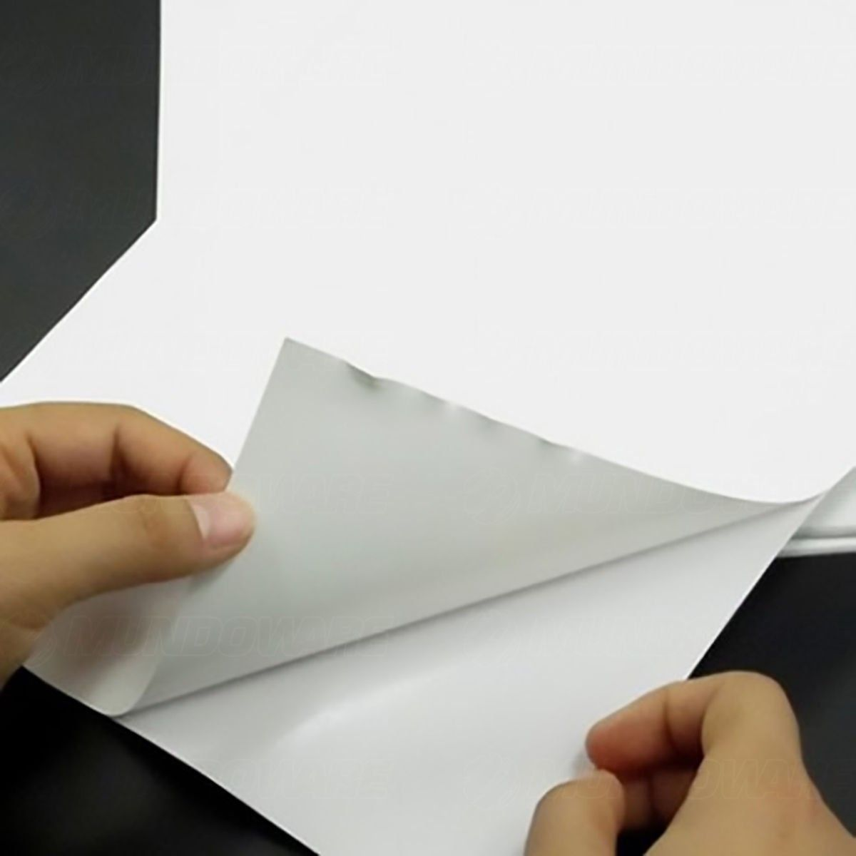 Papel Foto Adesivo 115g A4 Glossy Branco Brilhante Resistente à Água / 20 folhas