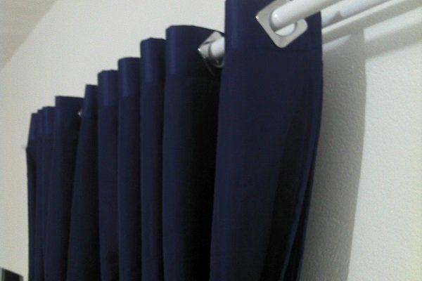 Cortina Rustica 300x250 Azul Marinho Ilhós Cromado | Admirare
