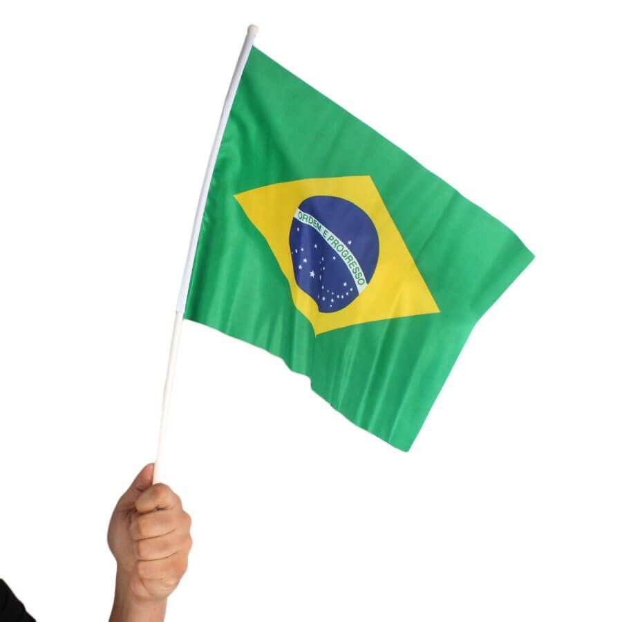 443c1a6f5f1a2 Bandeira de Tecido do Brasil Copa do Mundo com Cabo - Aluá Festas