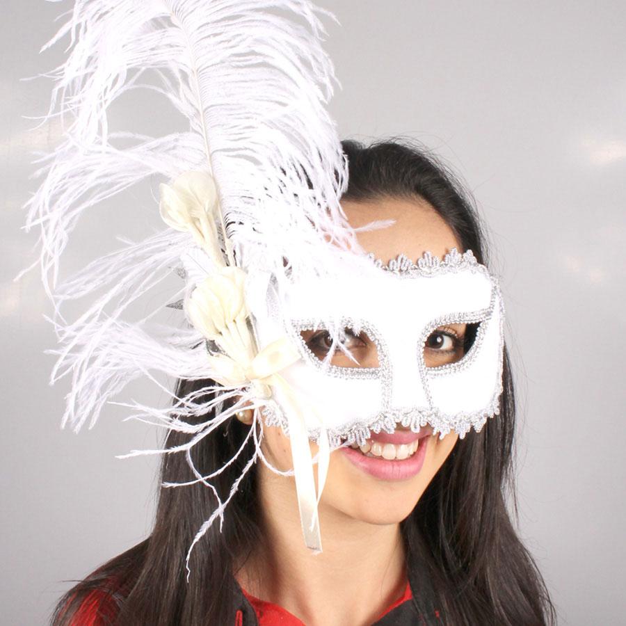 Máscara Veludo Branca Com Penas