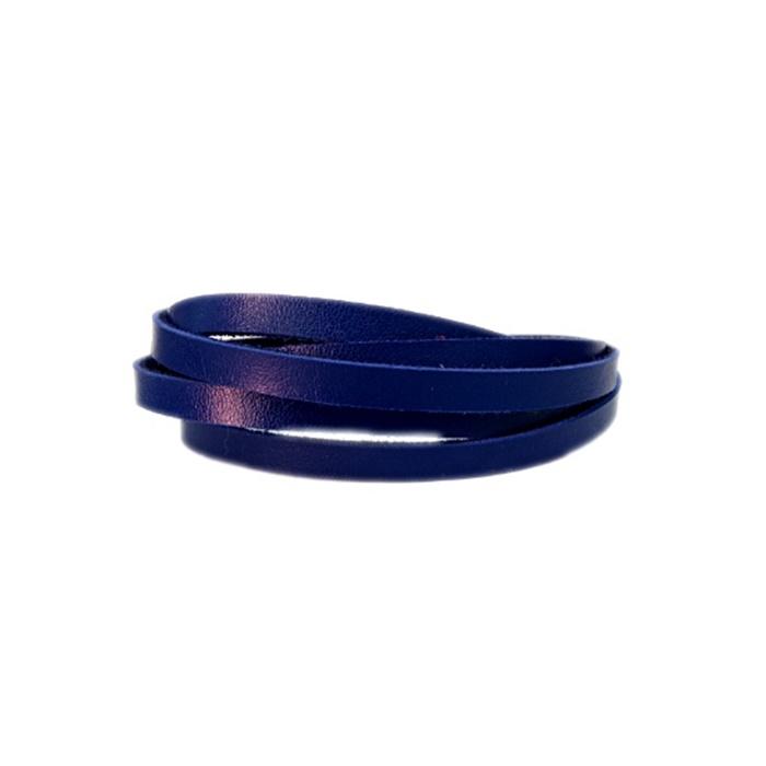Couro achatado liso azul bic 5mm- COU002