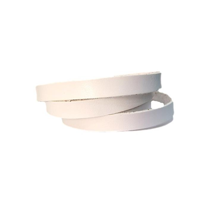 Couro achatado liso fino branco 1cm- COU012