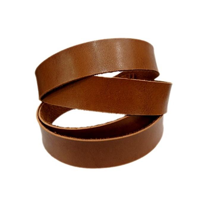 Couro achatado liso caramelo 2cm- COU029