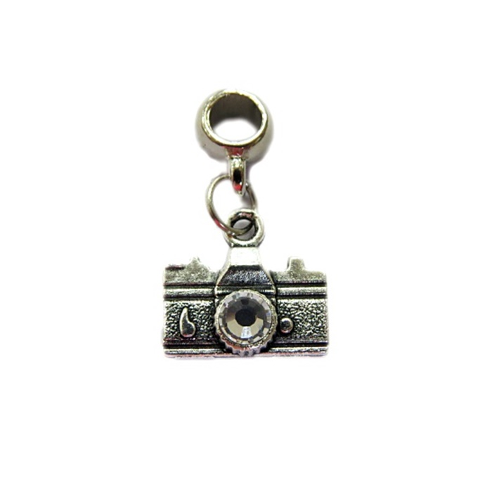 Berloque pingente níquel máquina fotográfica cristal- BEN154