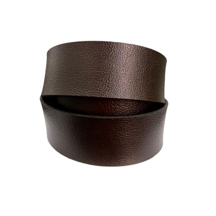Couro achatado liso chocolate 4cm- COU041