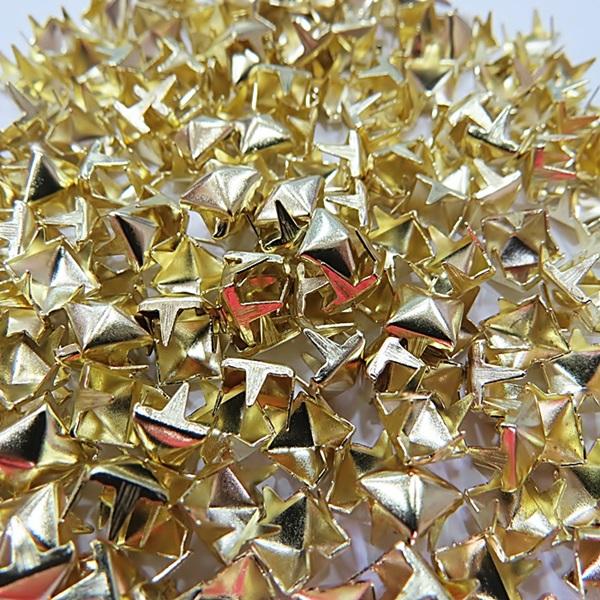 Tacha pirâmide Nº 06 dourada (1.000 unid.)- TAC023 ATACADO