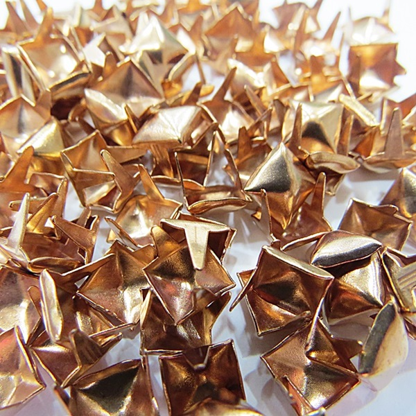 Tacha pirâmide Nº 08 rose (1.000 unid.)- TAC028 ATACADO