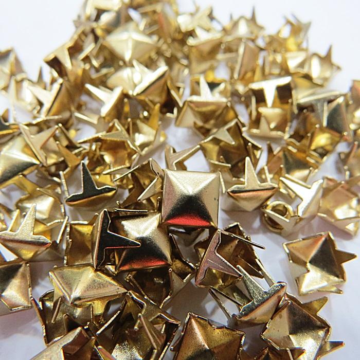 Tacha pirâmide Nº 14 dourado (500 unid.)- TAC034 ATACADO