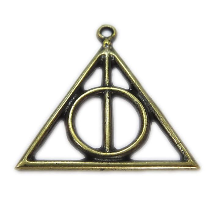 Pingente ouro velho triangulo vazado Harry Potter- PTO082