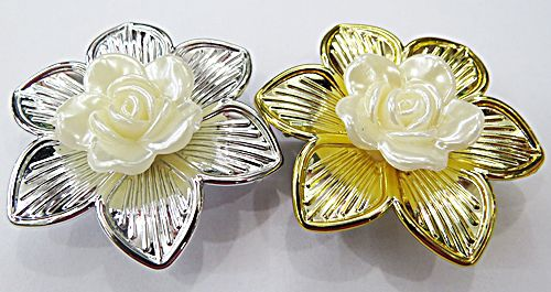 Flor Perola Passante Com Petalas Trabalhadas - FLA008