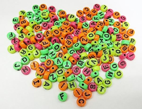 Pastilhas Redondas De Letras Coloridas Neon (Atacado e Varejo) - COP023