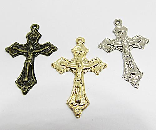 Pingente Cruz C/ Cristo Trabalhada M - PGR008