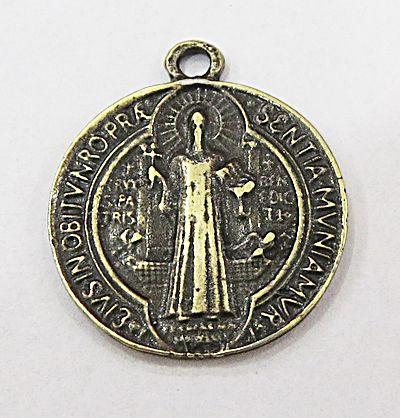 Pingente ouro velho medalha Media São Bento- PTO081