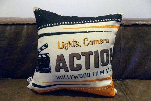 Almofada Cinema Luz, Câmera, Ação 40x40cm Cosi Dimora