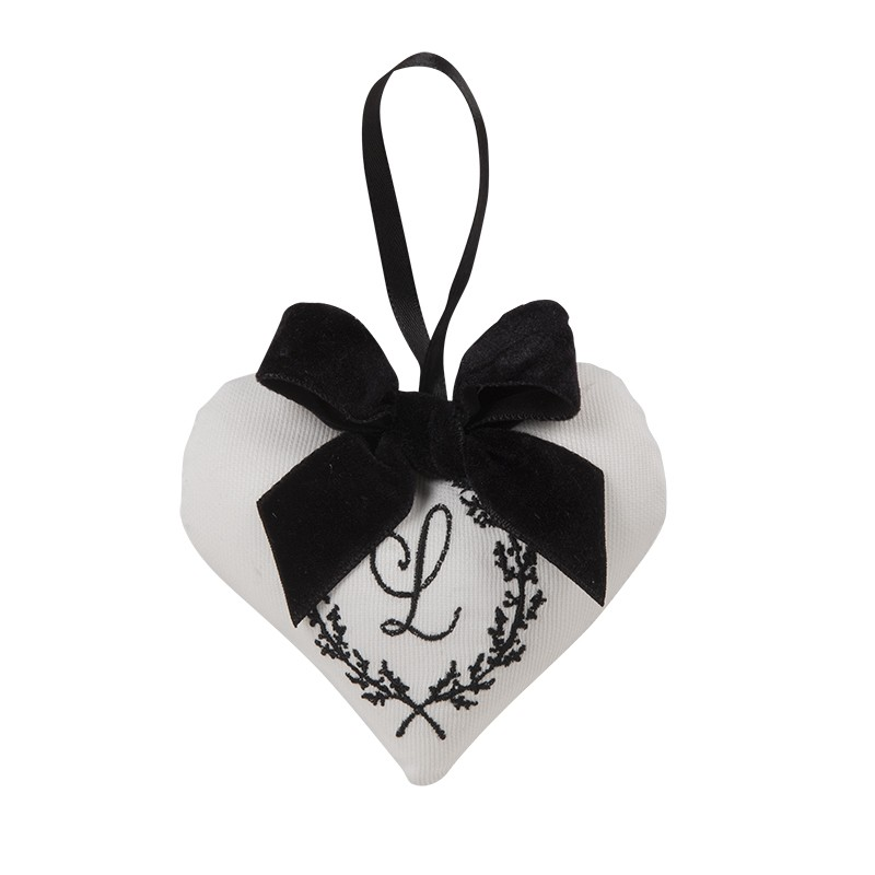 Mini Coração em Tecido Bordado 10x11cm