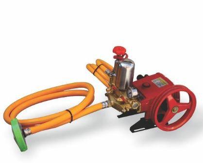 Vazão:14~22 L/Min | 40 Bar | 800~1200 RPM Bomba:com pistão em aço inox cromado Cabeçote:em Ferro Mangueira:de alta resistência com 5 camadas