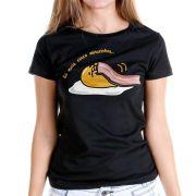 Camiseta Feminina Gudetama Só Mais Cinco Minutinhos!