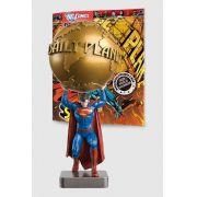 Boneco Miniatura Especial Superman e o Planeta Diário + Revista