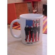 Caneca The Beatles Are Coming