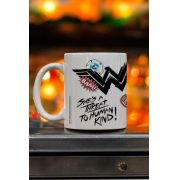 Caneca Wonder Woman She´s a Threat